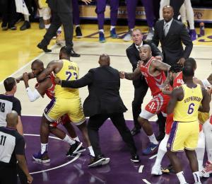 La NBA suspende a Ingram, Rondo y Paul por trifulca en partido