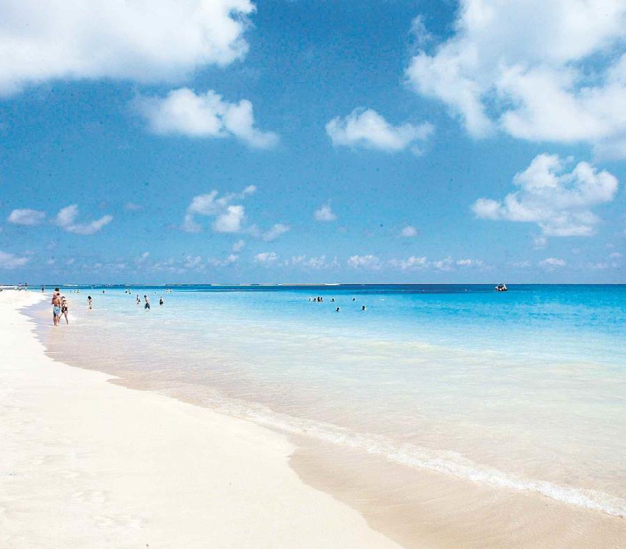 Playa Flamenco (semisquare-x3)