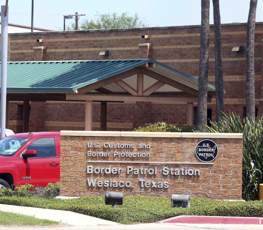 Esta foto del 20 de mayo de 2019 muestra la estación de la Patrulla Fronteriza en Weslaco, Texas. (Joel Martinez / The Monitor vía AP) (semisquare-x3)