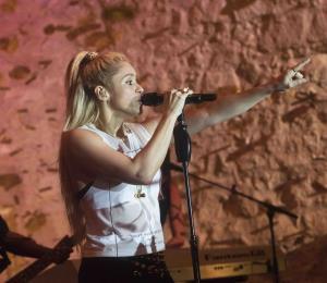 Shakira sigue cancelando conciertos por problemas en las cuerdas vocales