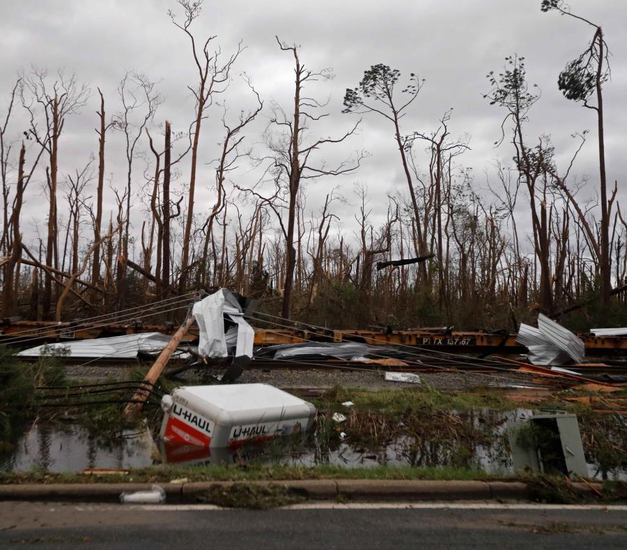 Antes y después del paso del huracán Michael en Florida — Fotos