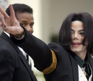 Supuestas víctimas de Michael Jackson podrían tener un nuevo juicio por abuso sexual