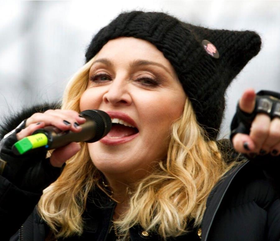 Madonna y Maluma (semisquare-x3)