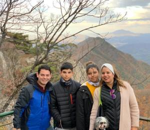 Familia boricua en Corea del Sur narra su experiencia ante el brote de coronavirus