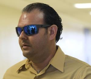Pautan para junio el juicio contra el policía acusado de mantener un rehén en una cooperativa