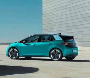 Volkswagen eleva pronósticos de sus autos eléctricos