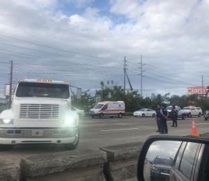 Cierran tres carriles en la PR-22 en dirección a Bayamón por accidente entre varios vehículos
