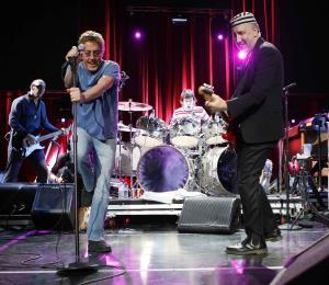 El vocalista de la banda The Who recomienda usar tapones en recitales