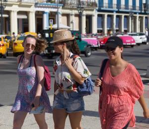 Cuba anticipa un bajón en el turismo para el 2019