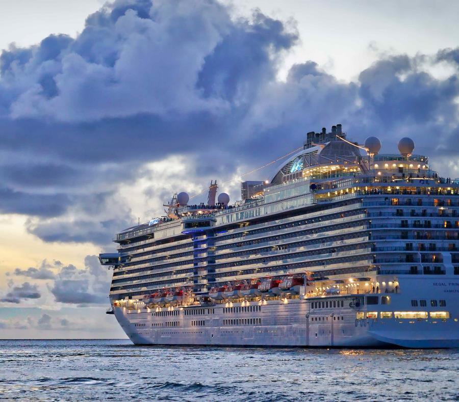 El herido fue trasladado en avión a un hospital de West Palm Beach desde la Grand Classica de Bahamas Paradise Cruise Line el 21 de octubre. (semisquare-x3)
