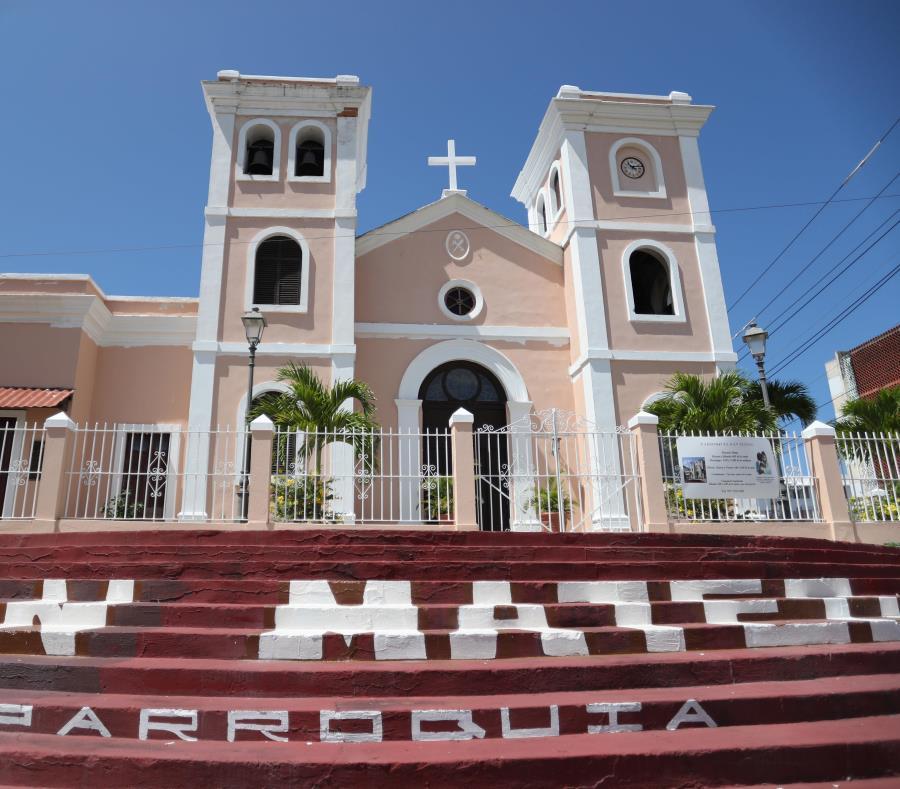 La Parroquia San Mateo de Cangrejos, localizada en Santurce, es una de las afectadas por el embargo. (semisquare-x3)